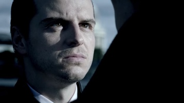 Jim Moriarty (Andrew Scott). Molly Hooper - 358px-2014-SH-BBC-S03E01-moriarty