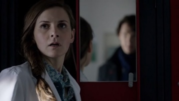 Molly Hooper (Louise Brealey) - 358px-2014-SH-BBC-S03E01-hooper