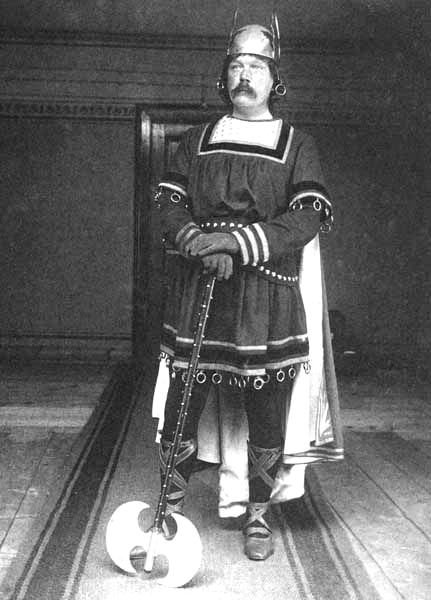File:1895-03-arthur-conan-doyle-viking-fancy-dress-ball-st-moritz-01.jpg