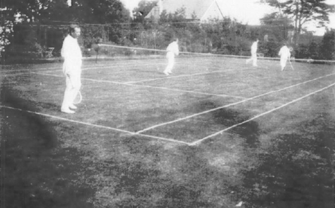 File:Undated-arthur-conan-doyle-playing-tennis.jpg