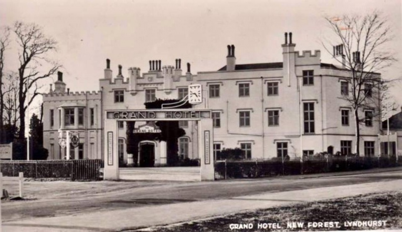 File:03-lyndhurst-grand-hotel-northern-view-of-east-wing-post-1912-conan-doyle-extension.jpg