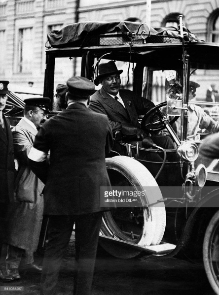 File:1911-arthur-conan-doyle-prince-henry-tour-with-number-52-green-dietrich-lorraine2.jpg