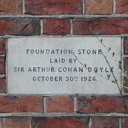 Plaque-arthur-conan-doyle-foundation-stone-rochester-square-temple.jpg