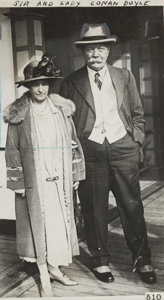 File:1920ca-arthur-and-jean-conan-doyle2.jpg