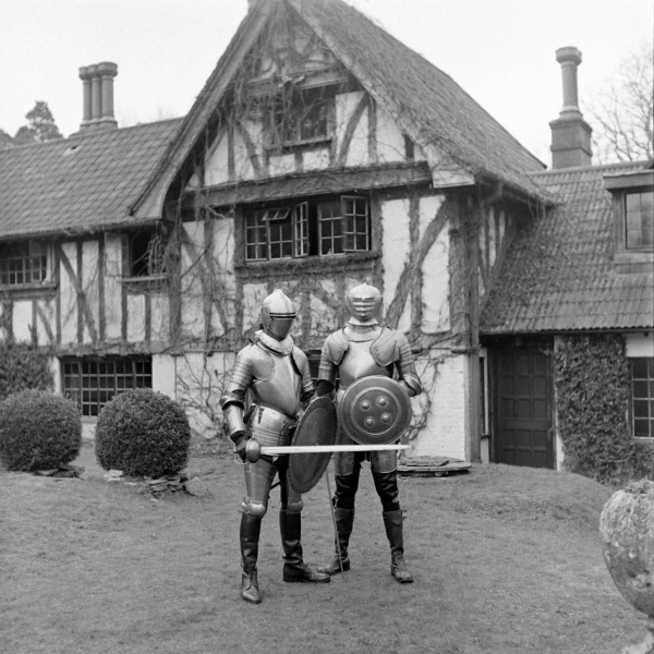 File:1948-03-douglas-ash-with-adrian-conan-doyle-in-full-armour-01.jpg