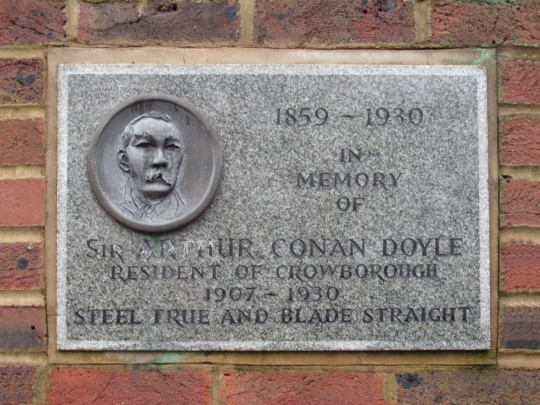 Plaque-arthur-conan-doyle-montargis-terrace-croft-road-crowborough.jpg