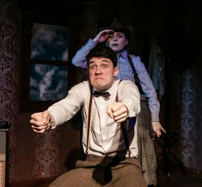 2019-the-hound-of-the-baskervilles-hayes-03.jpg