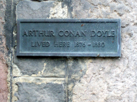 Plaque-arthur-conan-doyle-23-george-place-edinburgh.jpg