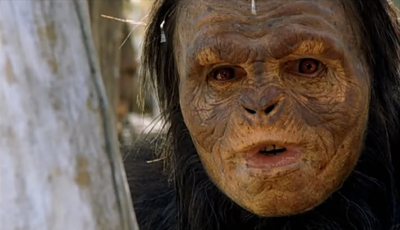 File:2001-the-lost-world-hoskins-apes.jpg