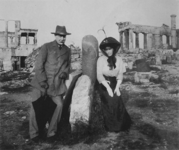 File:1907-arthur-and-jean-conan-doyle-acropolis.jpg