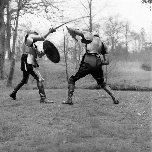 File:1948-03-adrian-conan-doyle-and-douglas-ash-fighting-in-armour-13.jpg
