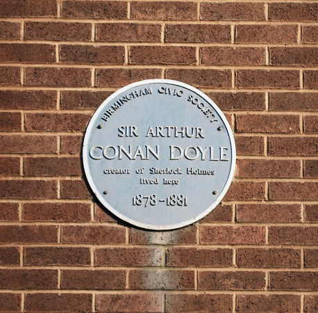 Plaque-arthur-conan-doyle-63-aston-road-north-birmingham.jpg